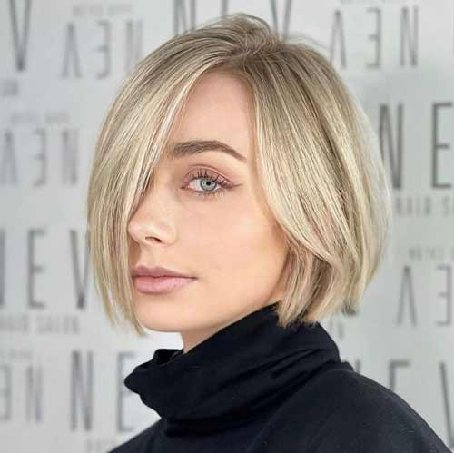 Haircuts for straight hair in the photo