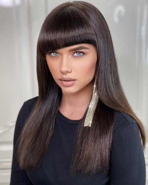 Fashionable bangs in haircuts for straight hair