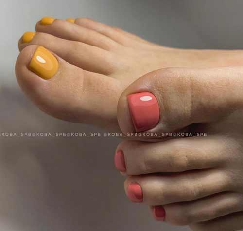 Different designs of toe nails