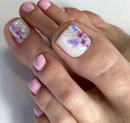 Pedicure design with pattern