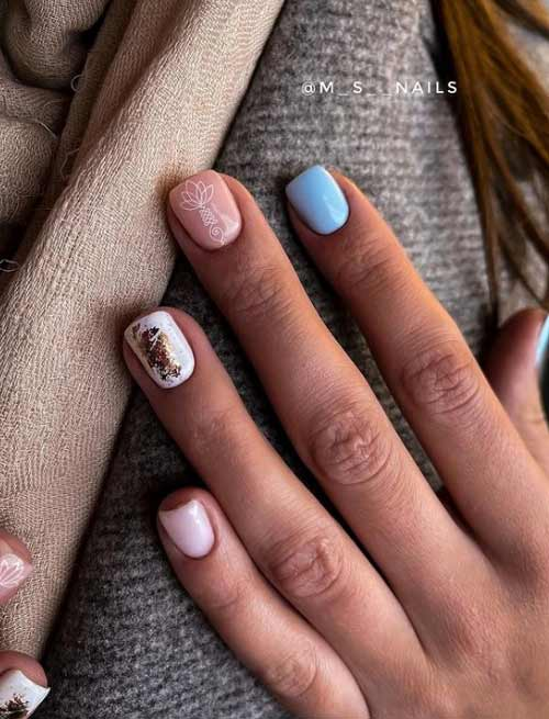 Short nails in blue shades