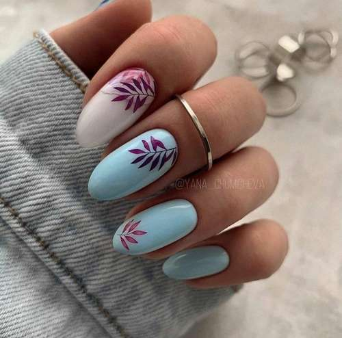 Blue with sprigs manicure