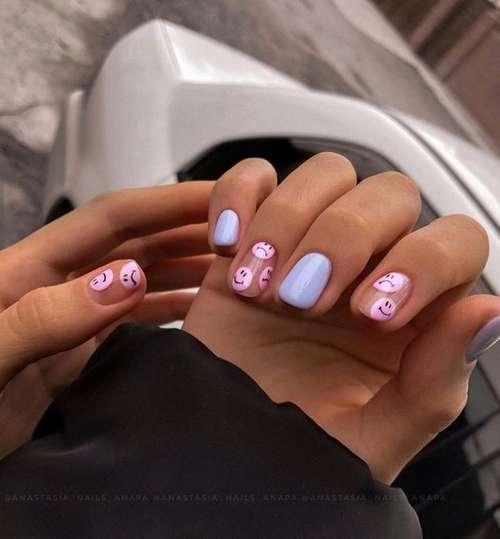 Blue two-tone manicure