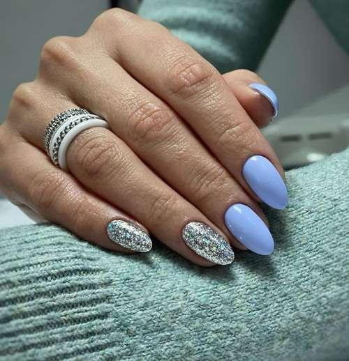 Two-tone blue manicure