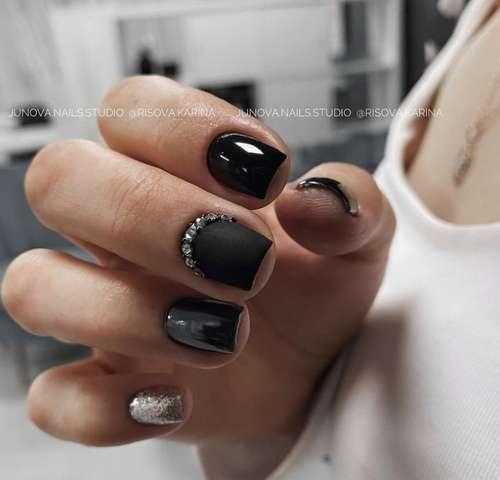Two-tone glitter manicure