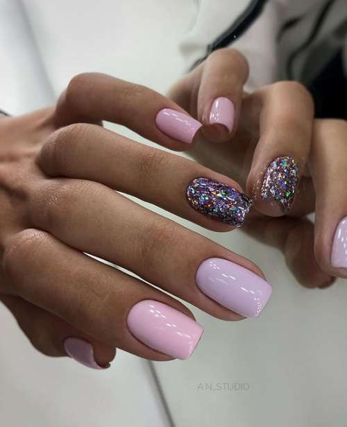 Lilac manicure photo with design