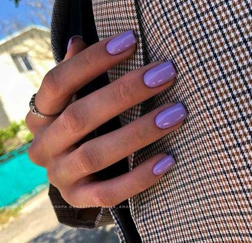Lilac monochromatic manicure