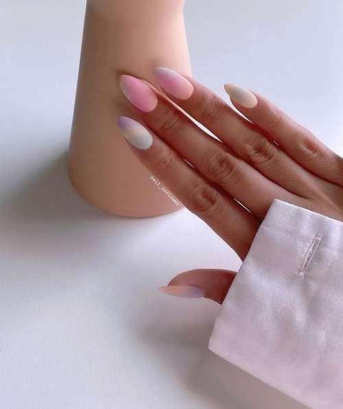 Light pink tones in manicure
