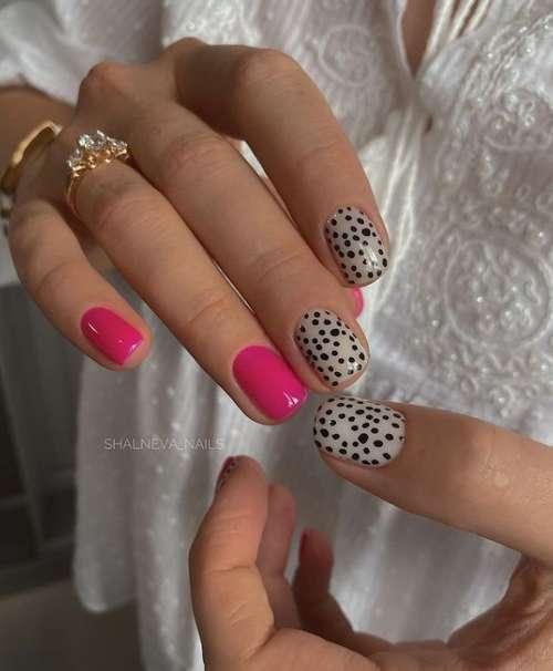 Fuchsia manicure with leopard print