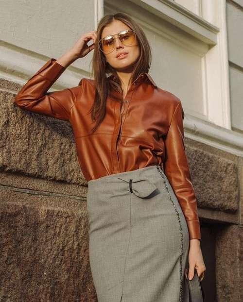 Fashionable gray midi skirt