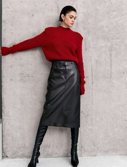 Fashionable black skirt with what to wear