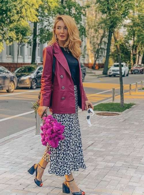 How to wear a printed midi skirt