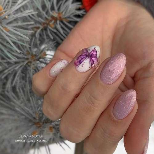 Butterflies glitter on nails