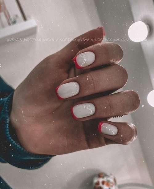 Cross-milk French short nails