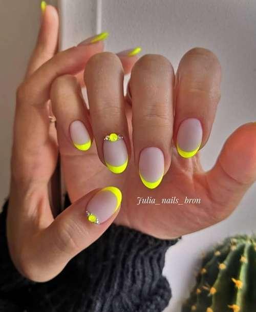 Bright French short nails