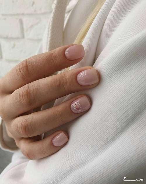 Rose quartz delicate manicure