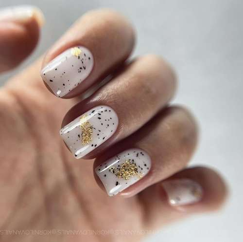 Milky nails square