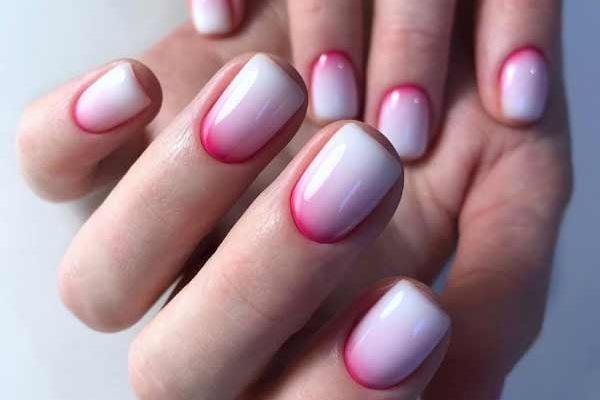 Красивый молочный маникюр на короткие ногти