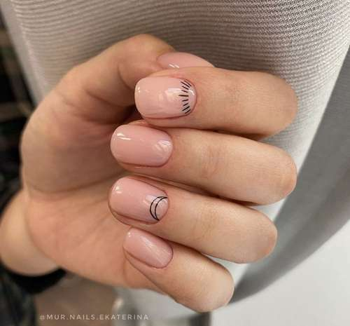 Simple drawing on short nails