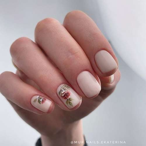 Manicure with a pattern