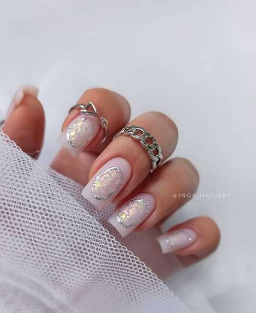 Delicate stains on nails