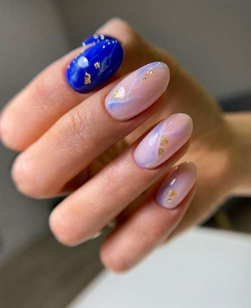 Blue stains nails