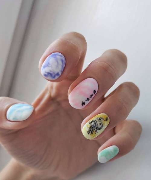 Manicure with divorces 2021: nail design, photo news