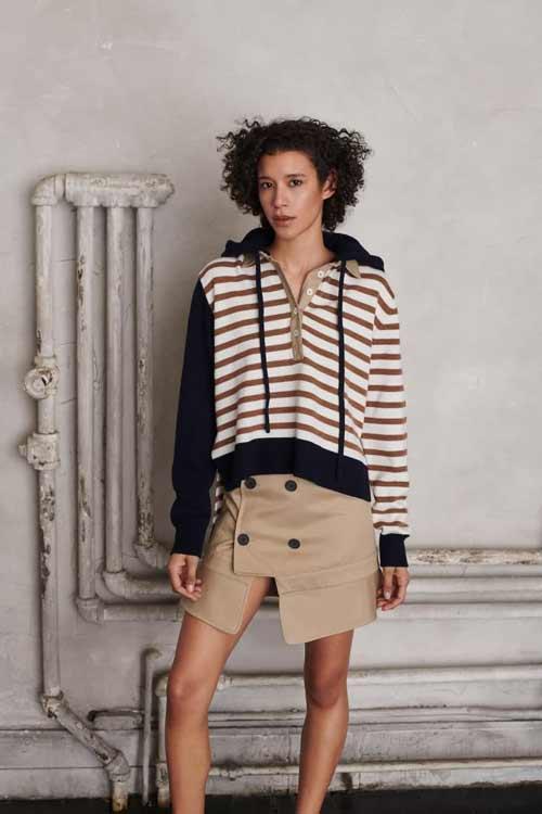 Mini skirt with slit