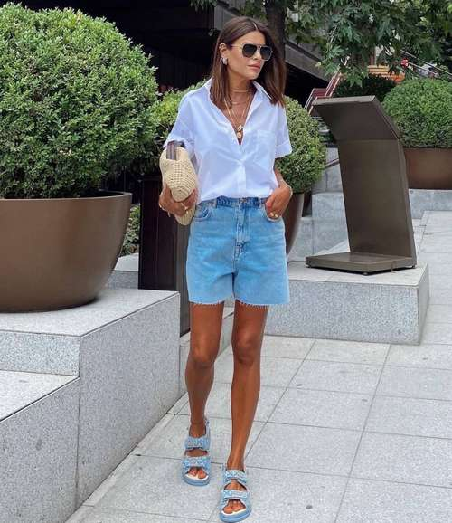 Denim shorts fashionable look