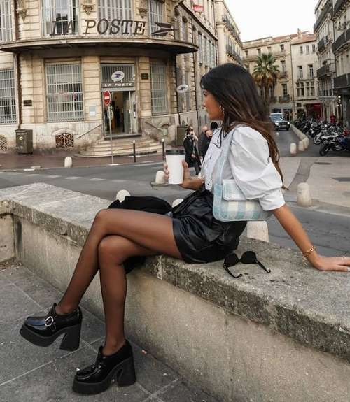 Look with leather shorts