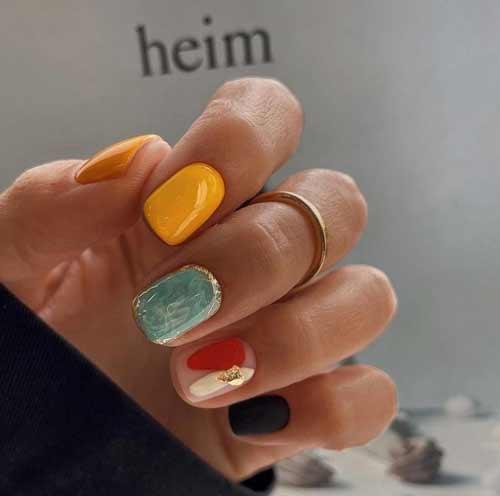 Fashionable translucent manicure