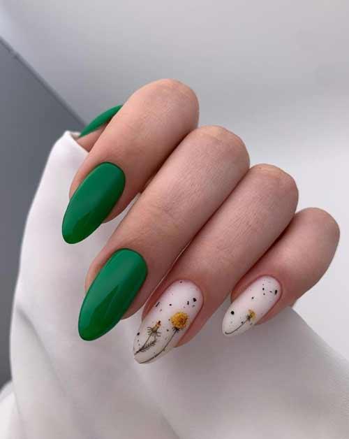 Milky beige manicure with specks