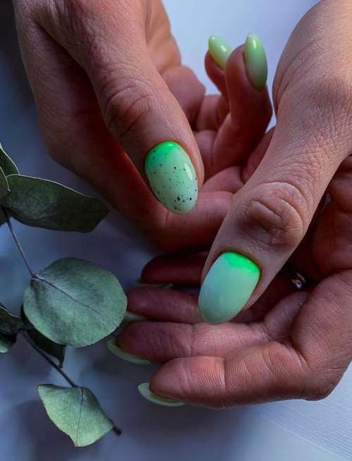 Fashionable manicure with specks
