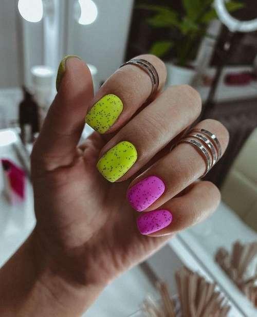 Quail two-tone manicure
