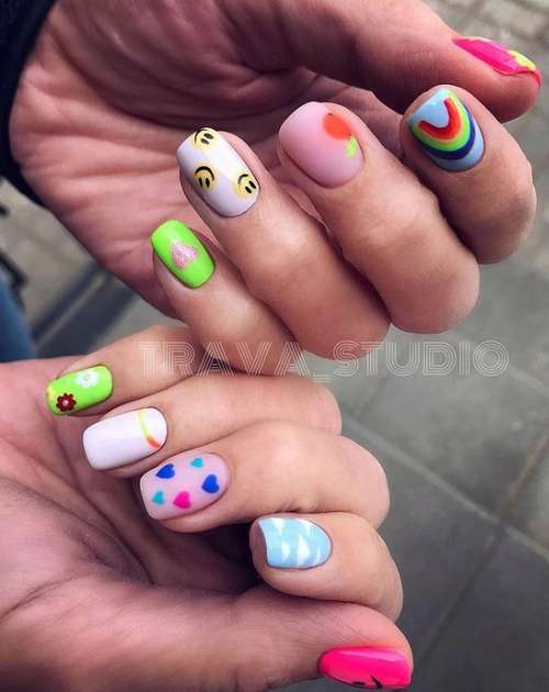 Bright nail design 2021: trendy new manicure