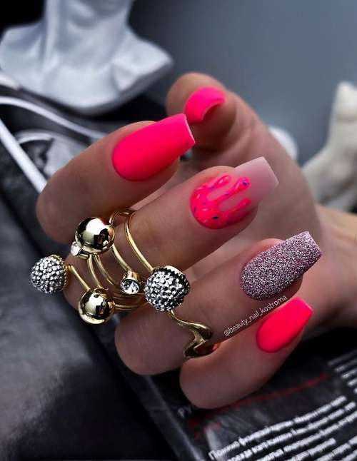 Matte red nails