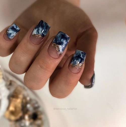 Textures in a marine style nails
