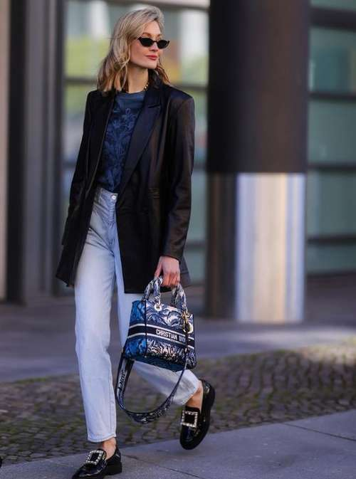 Fashionable jeans fall-winter 2021-2022: trends, photos