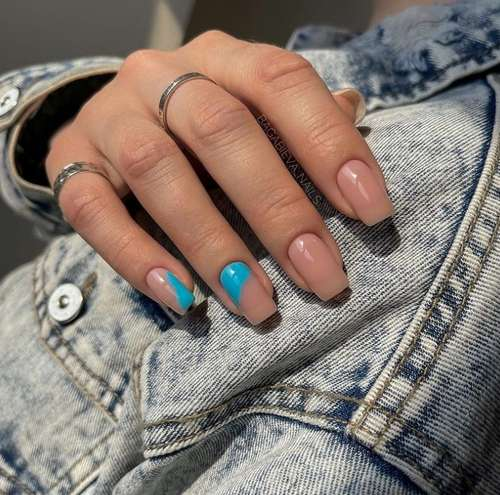 Accents turquoise nail polish