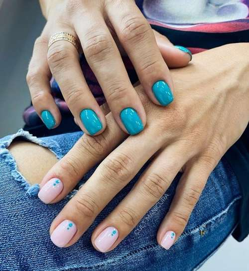 Turquoise manicure different hands