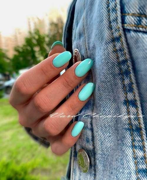 Turquoise gel polish on nails