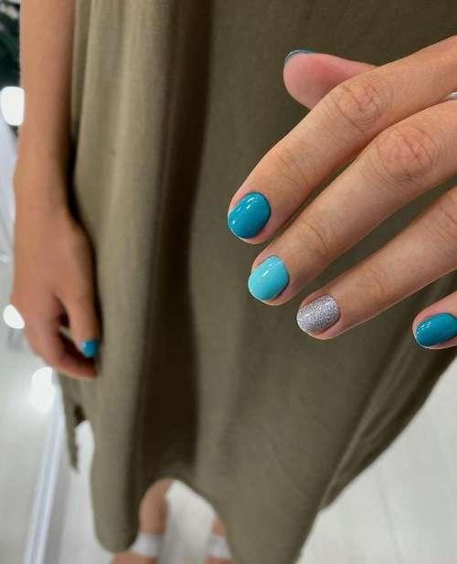 Short nails turquoise manicure