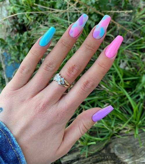 Manicure with turquoise nail polish