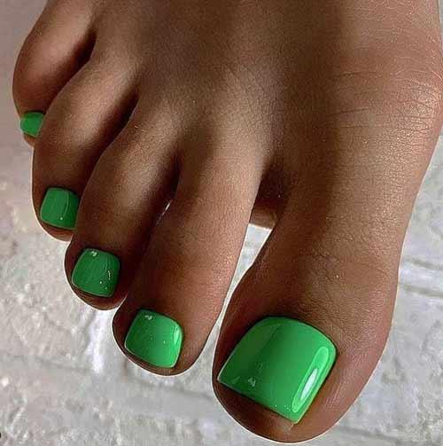 Plain green pedicure