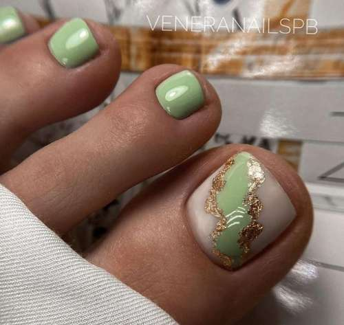Green pedicure with foil