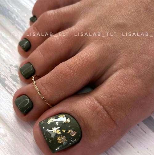 Dark green with foil pedicure