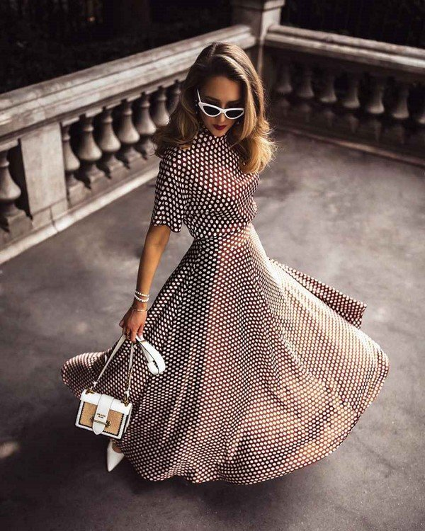 The most important print of the year is polka dots!  Fashionable polka dot looks